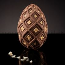 Medium-Size Majolica Egg Mould